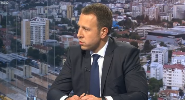 ЈАНУШЕВ: Заев и даде алатка на Грција со која може да не блокира на секој чекор кон ЕУ