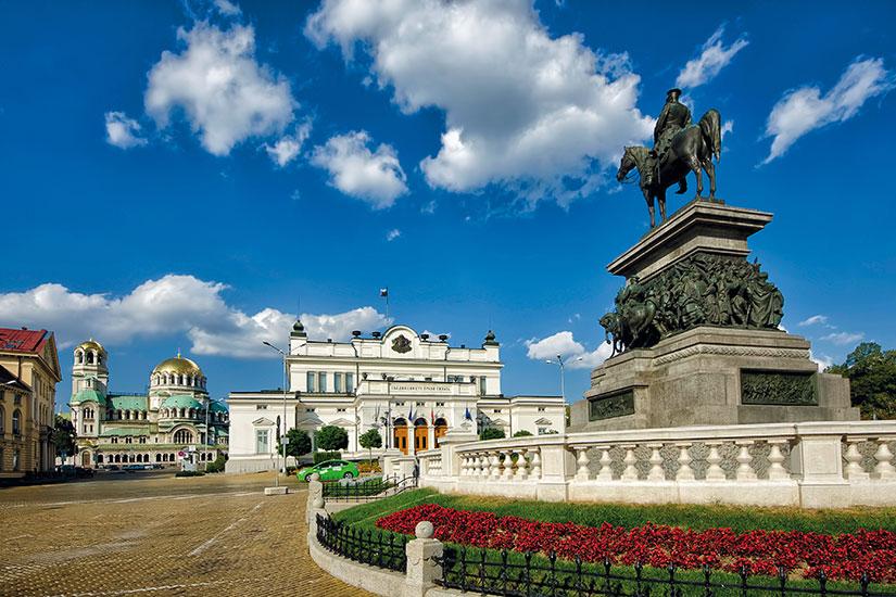 Бугарите планираат да потрошат 74 отсто од својата плата за летен одмор