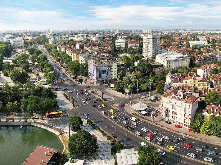 Анкета: Мнозинство од Бугарите се за името Република Македонија да остане