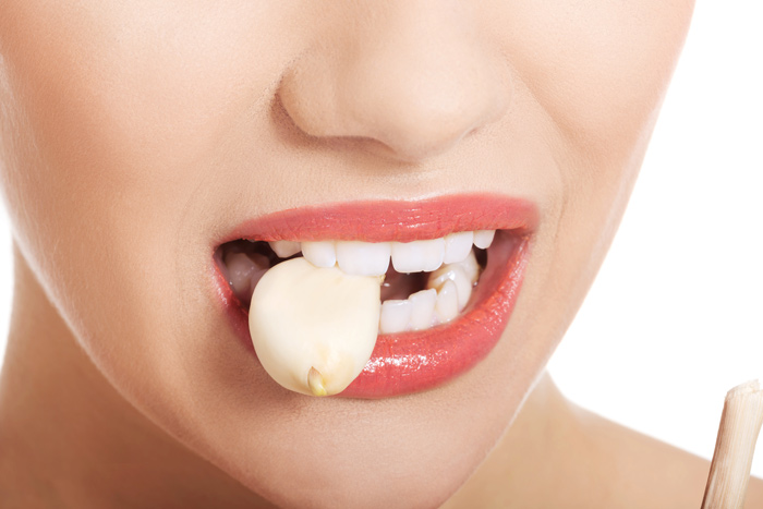 Пробајте да јадете лук на празен желудник!
