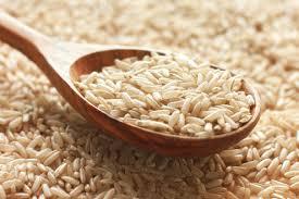 Ориз во плакарот ја чува гардеробата од влага