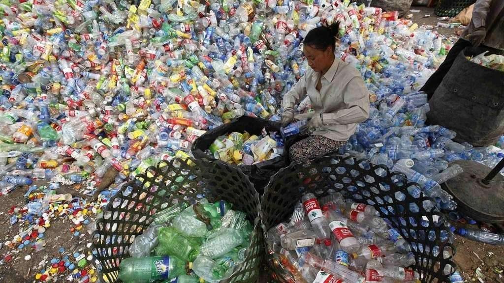 """Еурактив: Се намалува """"пластичната империја"""" во Европа, но расте во Кина и во САД"""