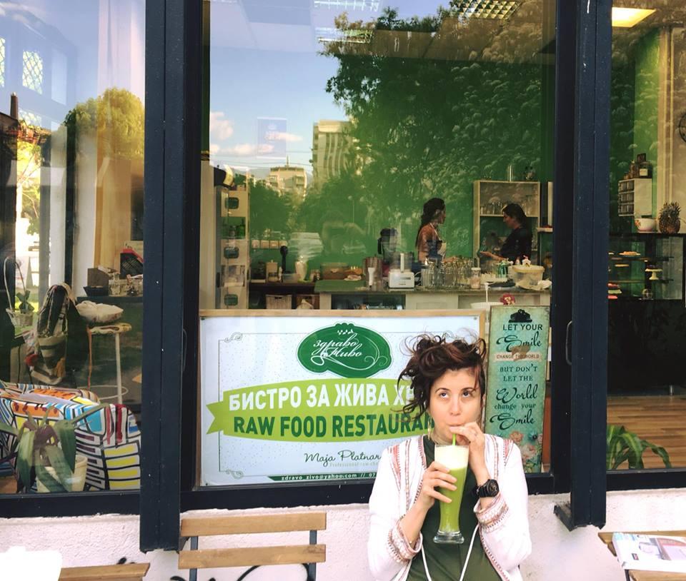 Маја Платнар: Лечење со жива храна