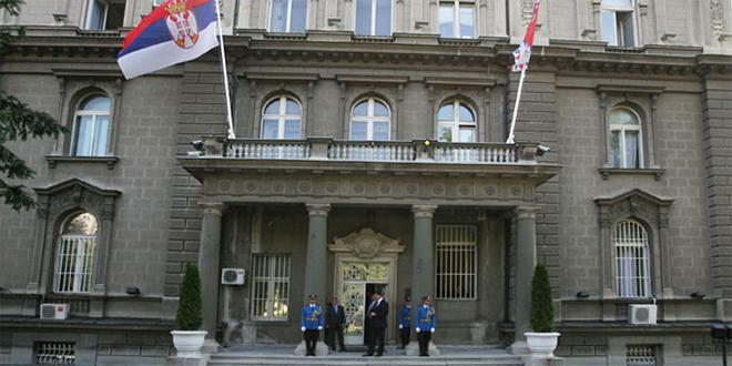"""Србија добила """"непристоен предлог"""" од САД за косовскиот проблем"""