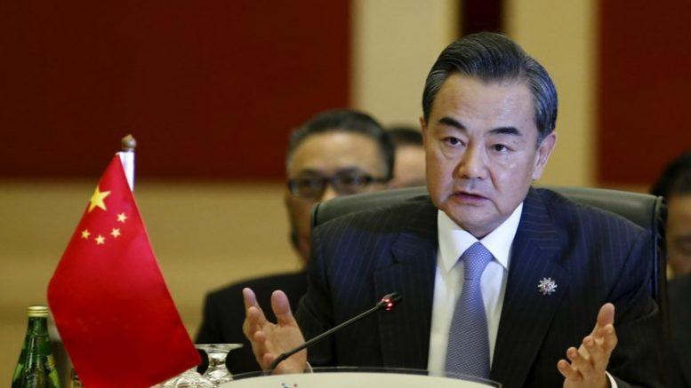 Кина: САД да не си играат со оган со Тајван