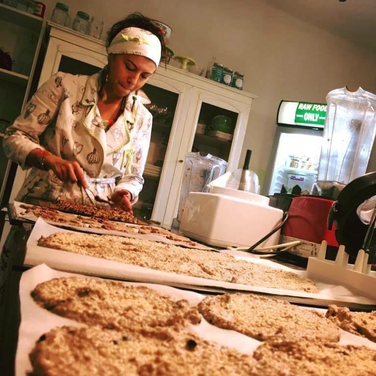 МАЈА ПЛАТНАР: Глутенот, лебот и живата храна