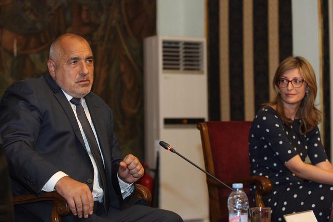 Меѓународен дипломатски скандал: Борисов и Захариева ги откажаа средбите со Иванов