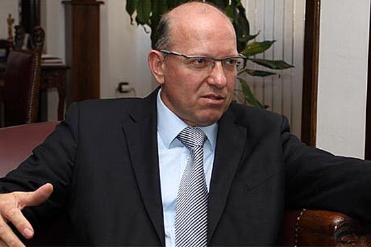 АЗЕВСКИ: Пржинскиите влади се потрес за бизнисот