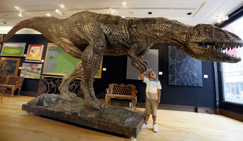Може ли науката да клонира диносауруси?