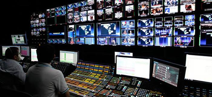 ЈАХУ ЊУЗ И АФП: Медиумите меѓу првите жртви на коронавирусот за кого масовно информираат