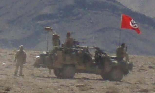 СКАНДАЛ- Австралиски војници во Авганистан виореле нацистичко знаме