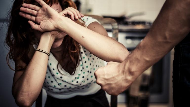 ОБСЕ: Насилството врз жените е широко распространето во Македонија