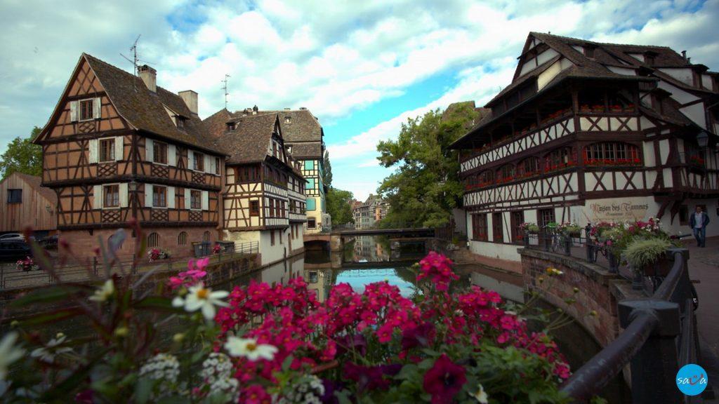 Стразбур забрани пушење и во паркови и градини