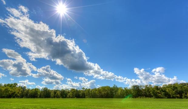 ВРЕМЕТО ДЕНЕСКА: Сончев и топол ден со максимална температура до 32 степена