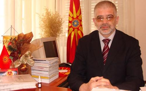 Собрание: Петров се откажа од нов референдум за името