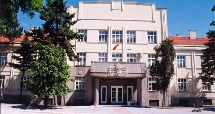 ВМРО-ДПМНЕ-БИТОЛА ДО ГРАДОНАЧАЛНИЧКАТА ПЕТРОВСКА: Што е поголемо – 48 или 32 милиони?