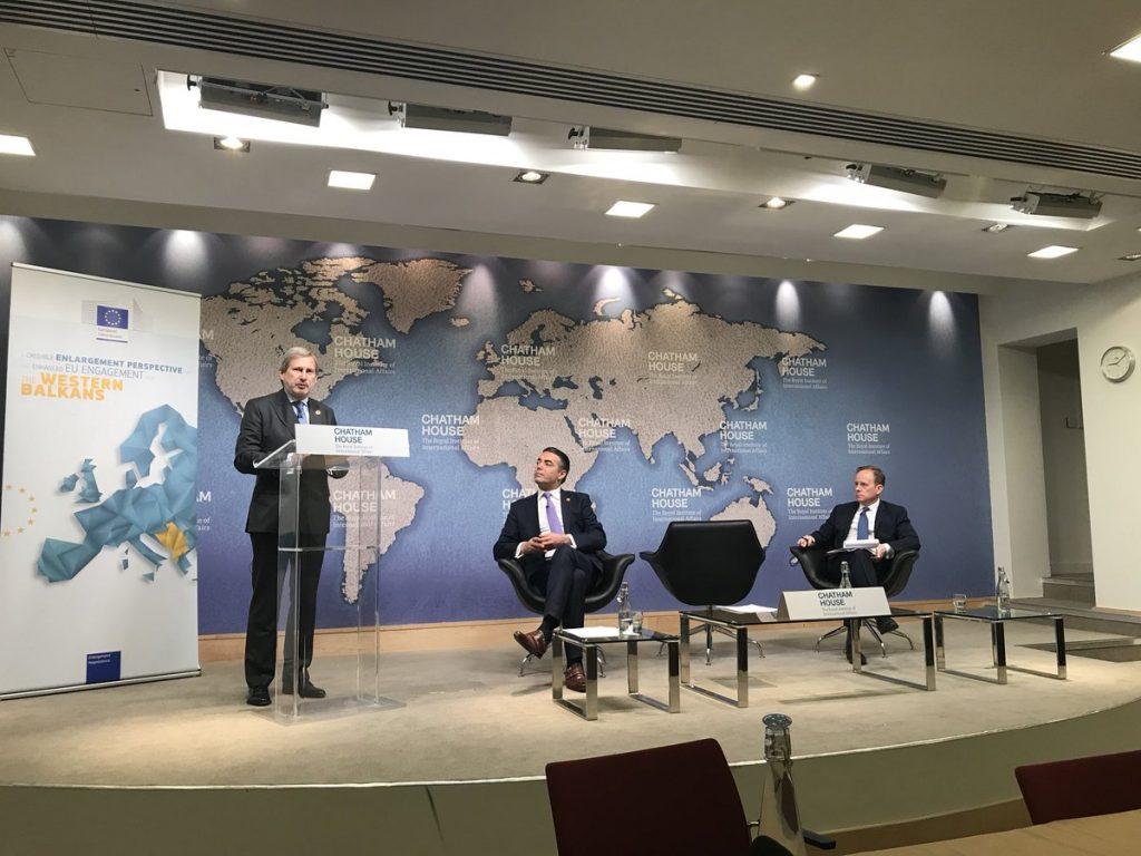Се отвора ли Пандорина кутија? Хан: Ќе се менува границата меѓу Грција и Албанија