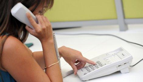 Вол Стрит џурнал: Домашниот фиксен телефон не сака да умре