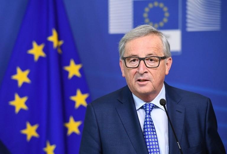 Јункер: Комплицирано ќе биде ако Британците го отфрлат договорот