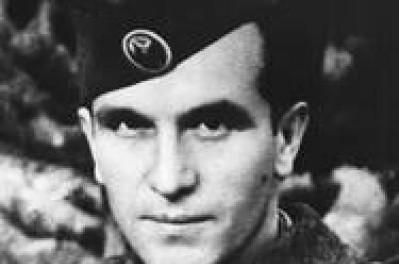 БРИТАНСКИ ДОКУМЕНТИ ЗА ПРВИОТ ЧЛЕН НА МАНУ:  Генерал Апостолски е страстен македонски патриот, со чудна забелешка за грчката герила