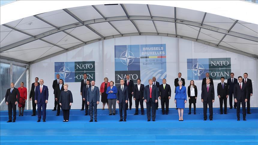 НИЕ И ЕВРОПА ПРЕД 26 ГОДИНИ И ДЕНЕС: Радувај се Северна Македонијо, од НАТО добивме аплауз