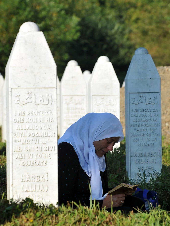 """""""Да не се заборави"""" – 23 години од геноцидот во Сребреница"""