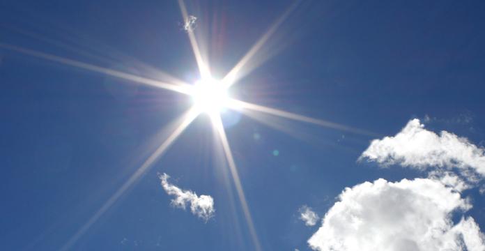 Време: Сончево со температурата до 36 степени