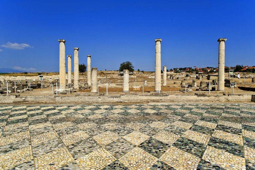 УВЕ ТОПЕР: Како е фалсификувана грчката историја!?