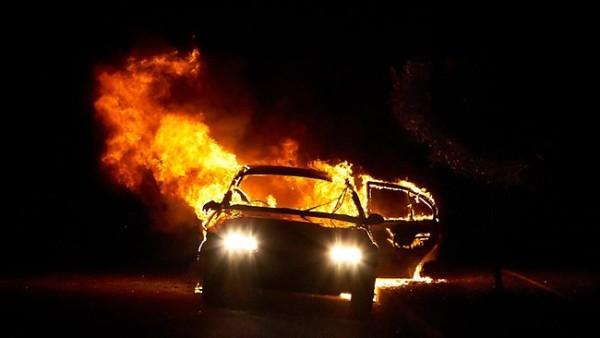 НА ПАРКИНГ ИЗГОРЕА ВОЗИЛА НА ТУРУНЏИЕВА И РЕБЕКА: Беше шокантно, пожарот беше страотен и прва го виде мојата ќеркичка