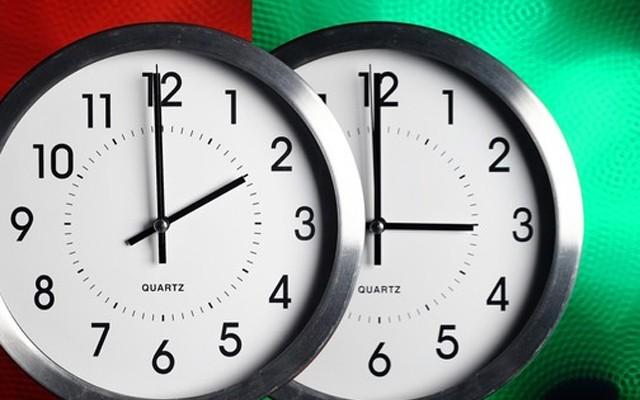 ЗИМСКО СМЕТАЊЕ НА ВРЕМЕТО: Ноќта сабота спроти недела ќе трае еден час повеќе