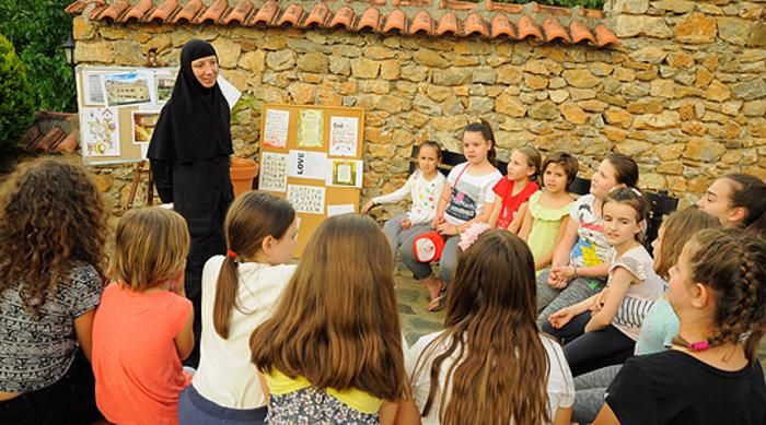 Голем интерес за кампот по веронаука: Во Рајчица оди дополнителна смена со деца
