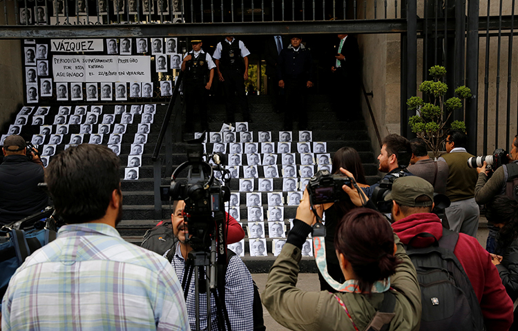 Мексико: Убиен е деветтиот новинар годинава, над 100 од 2000 година досега
