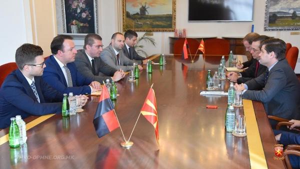 МИЦКОВСКИ НА СРЕДБА СО МИЧЕЛ: За ВМРО-ДПМНЕ е неприфатлив договорот со Грција