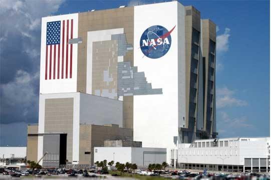 НАСА: Претставена новата ракета со која во 2024 ќе оди екипаж на Месечината