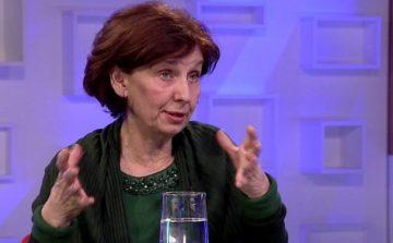 Силјановска го прозва Уставниот суд: Време е да собере сила за неуставното прашање за името!