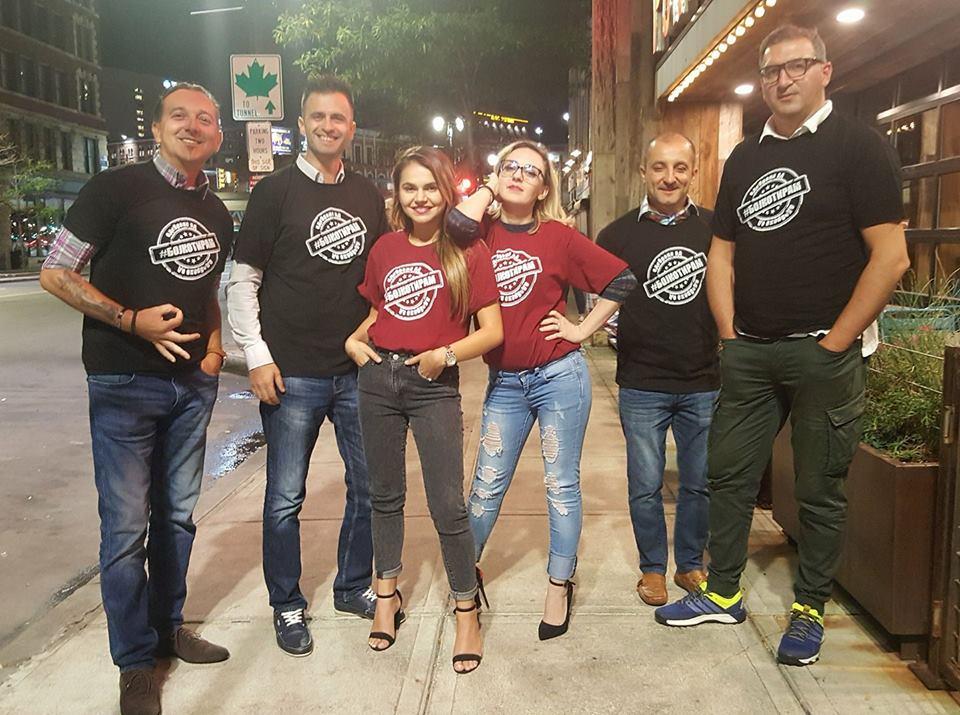(ФОТО) Моден предреферендумски тренд во Македонија