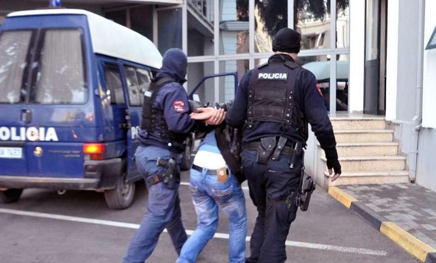 Албанија: Во Тирана уапсен учесник во ИД баран од Интерпол од Москва