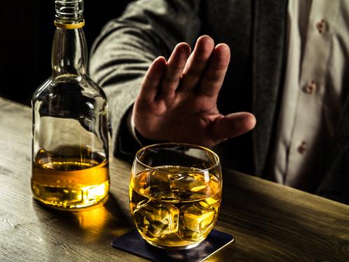 Исфрлете алкохол за еден месец – ќе почувствувате позитивни ефекти