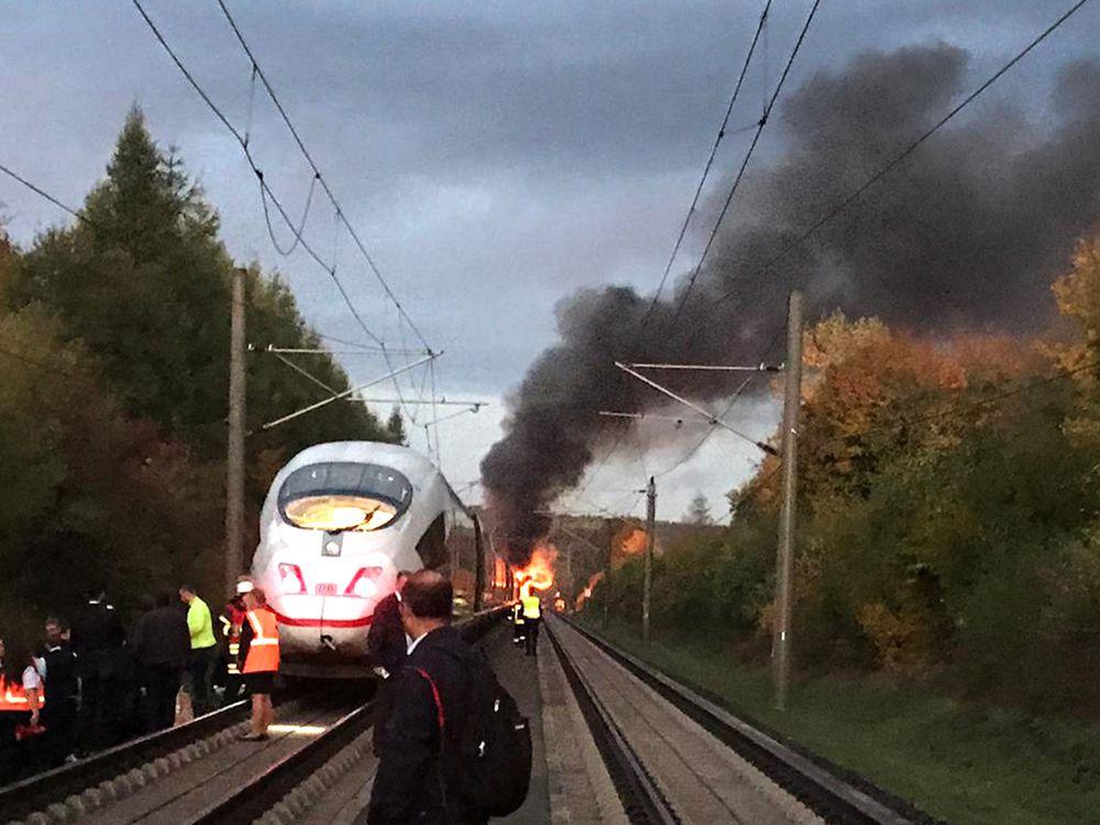 Германија: Пожар избувна во воз со 510 патници