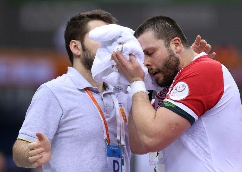 Македонскиот репрезентативец Стоилов е успешно опериран