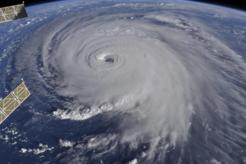 Тропски бури: Вила се движи кон Мексико со закана да стане ураган