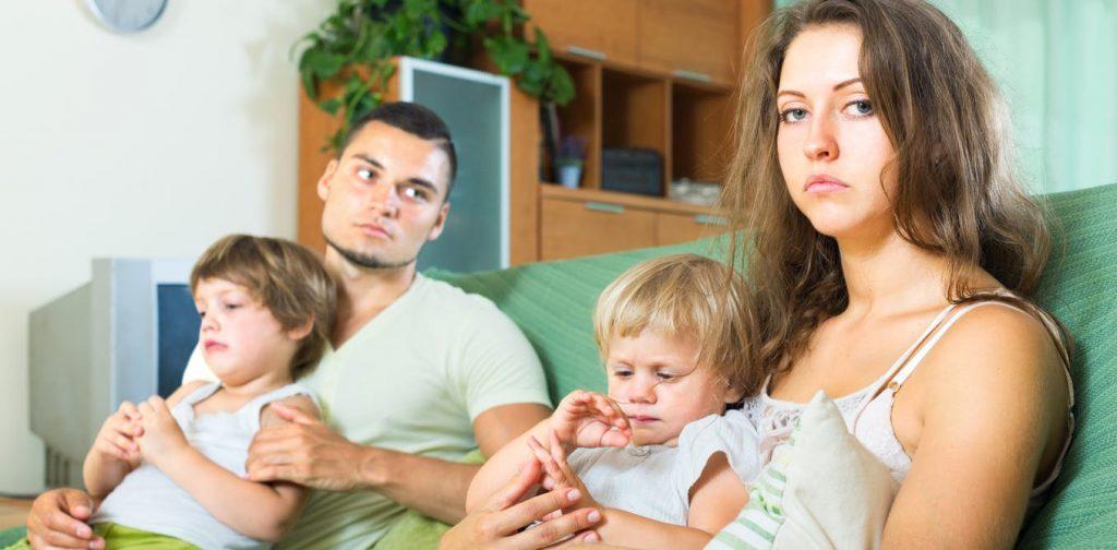 Кој повеќе ги нервира жените – децата или сопругот