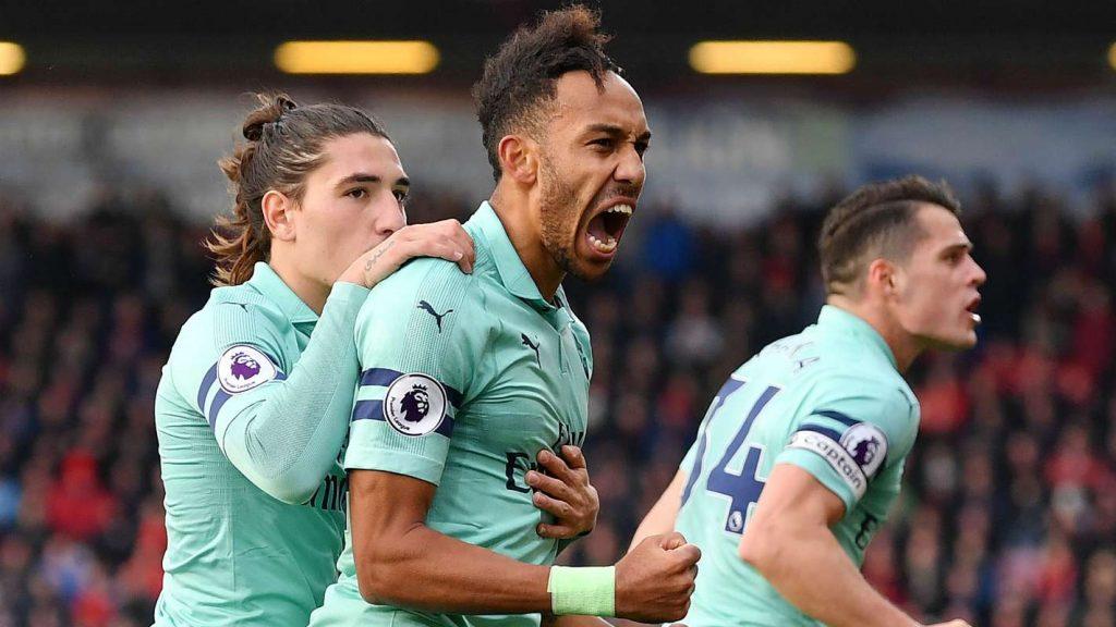 Арсенал постигна два гола за 3 минути и се пласираше во осминафиналната фаза на ЛЕ
