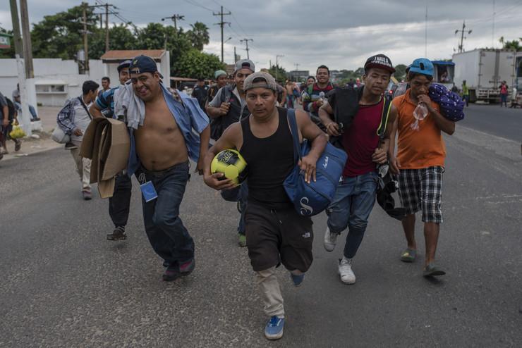 Мексико: Депортирање на мигрантите кои насилно се обиделе да влезат во САД