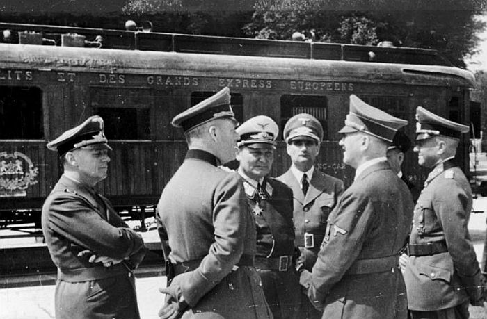 Меркел прв шеф на Германија по Хитлер кој ќе го посети вагонот-музеј