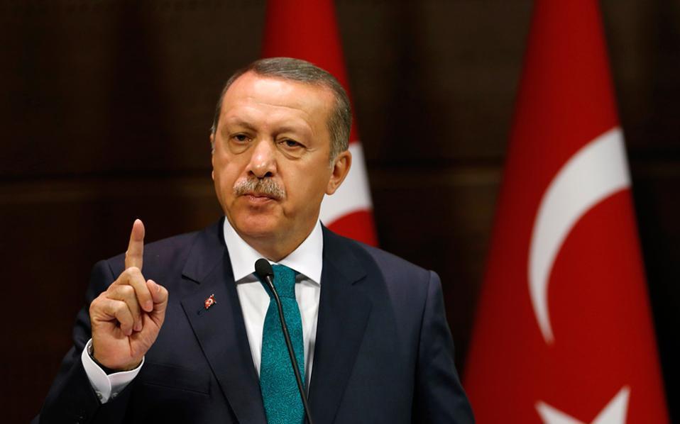 Ердоган: Русија, САД и Франција ја снабдуваат Ерменија со оружје