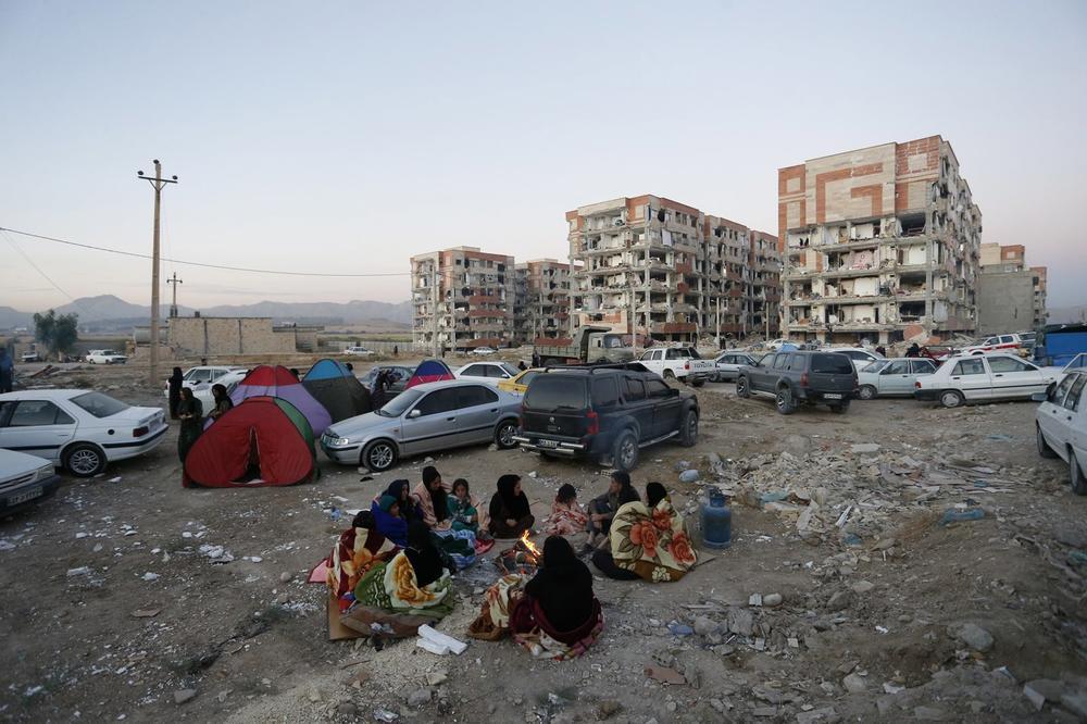 Земјотрес во Иран: Повредени повеќе од 600 луѓе