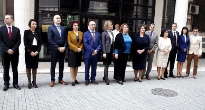 АКЦИЈА НА СЈО И МВР: Обвинители и инспектори рано утрово влегоа во фирмите на Орце Камчев