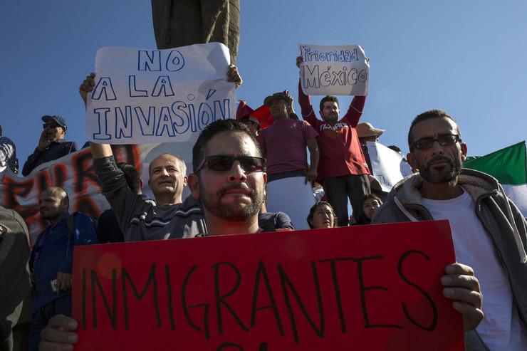 Мексико: Уапсени 34 мигранти од карванот, поради дрога, алкохол и напади на полицијата