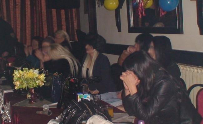 Акција на МВР: Во кафеана во Неготино-Полошко уапсени 19 жени